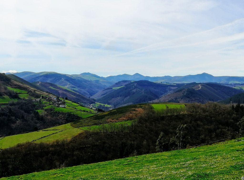 Montañas alrededor de Cangas del Narcea